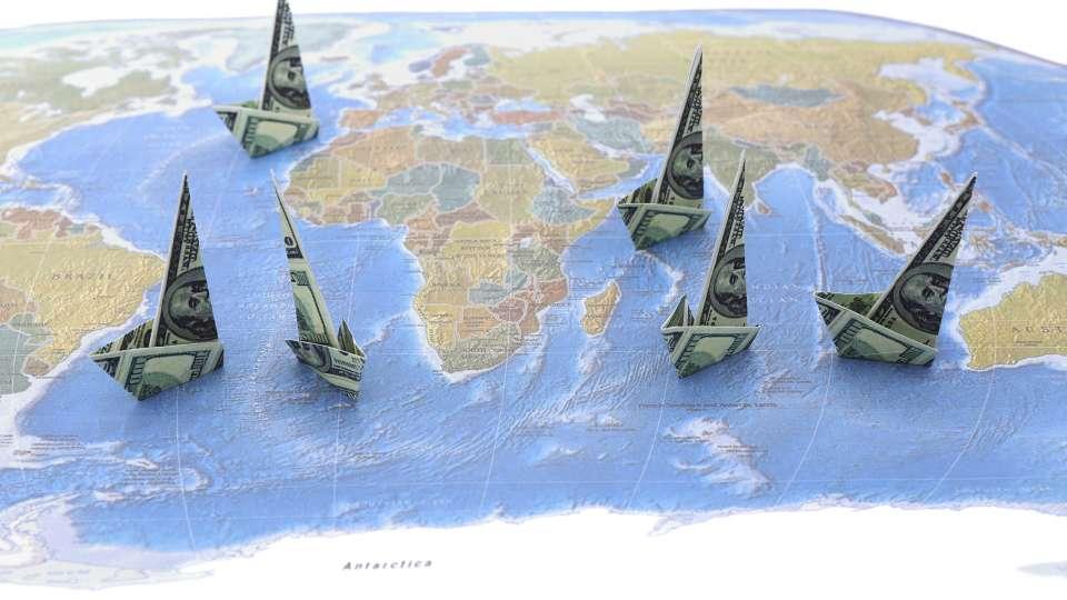 https://www.elcohetealaluna.com/wp-content/uploads/2020/08/offshore_money_pixhouse.jpg